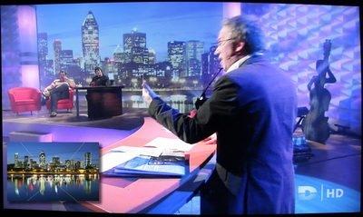 image de Montréal comme image de fond d'émission de TV.